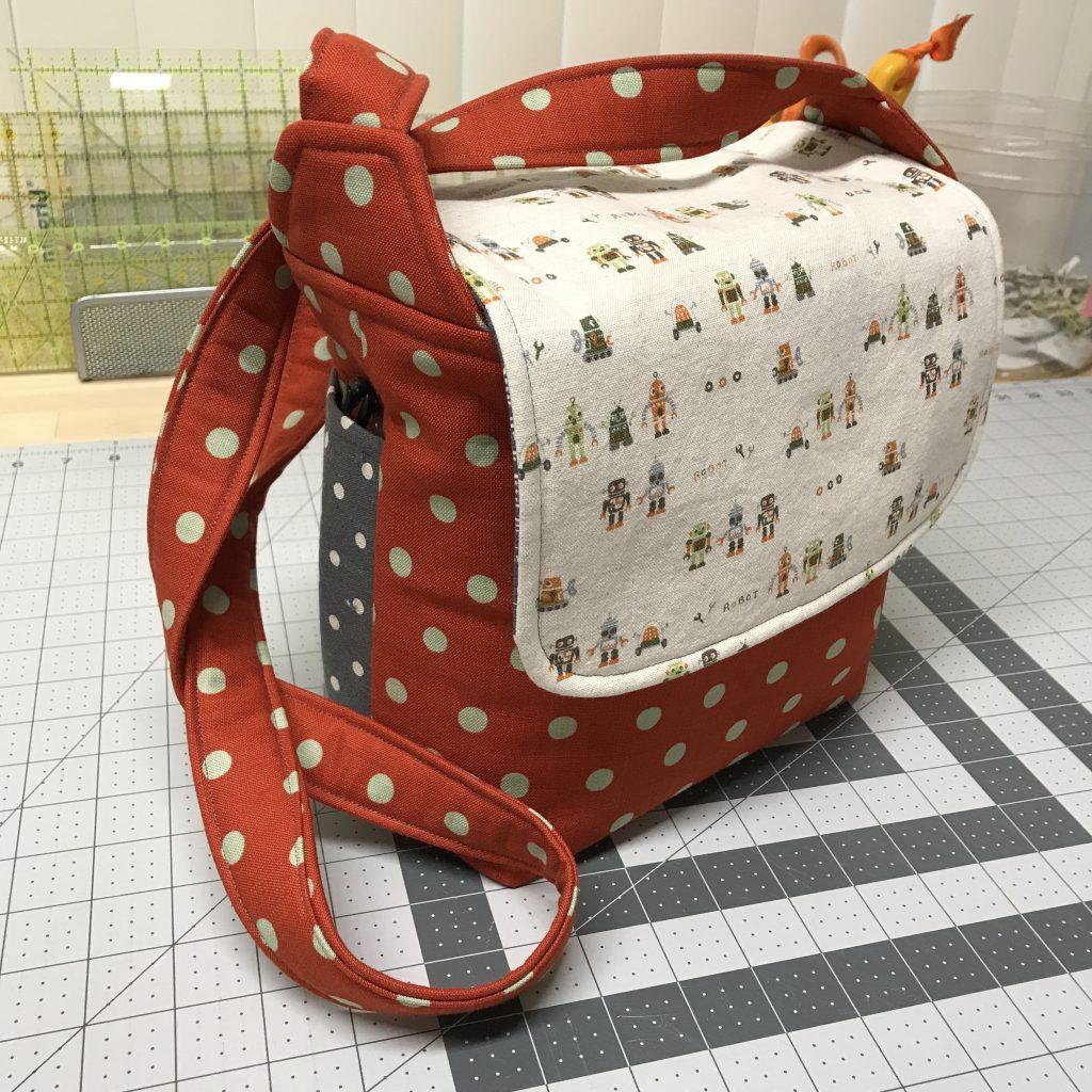 3ebf28edf5 Follow the Chunky Wee Bag pattern until you reach step 10B.